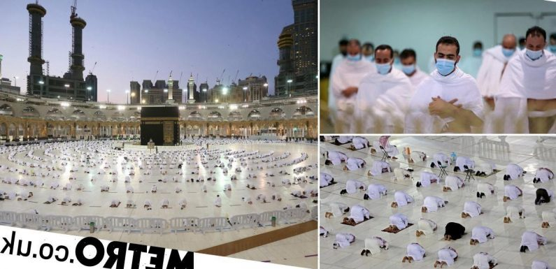 Socially-distanced worshippers replace crowds at Mecca as Ramadan begins
