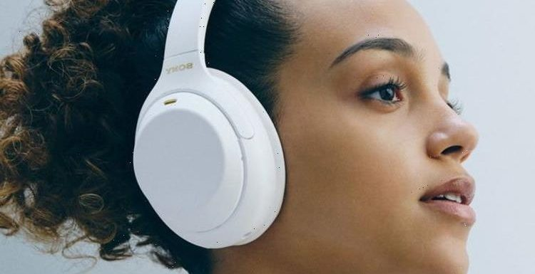 Sony WH-1000MX4 wireless headphones get a new look, it's just a shame about the price
