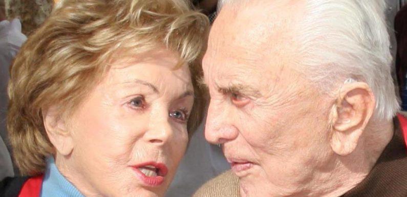 The Heartbreaking Death Of Kirk Douglas' Wife, Anne Douglas