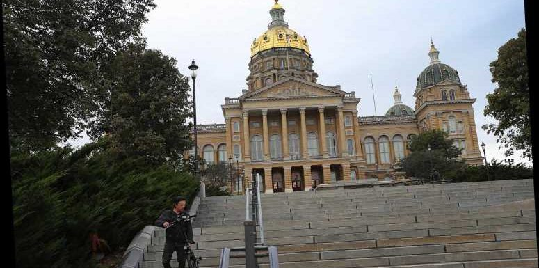 Iowa State Capitol protest sees troopers clash with activists in dramatic footage