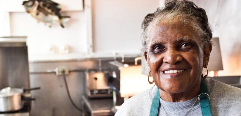 Martha Lou Gadsden, Soul-Food Matriarch, Dies at 91