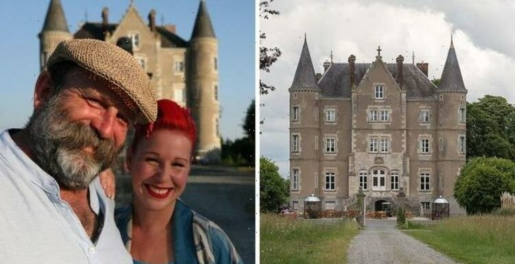 Staying at Escape to the Chateau: Can you stay inside Dick and Angel's home?