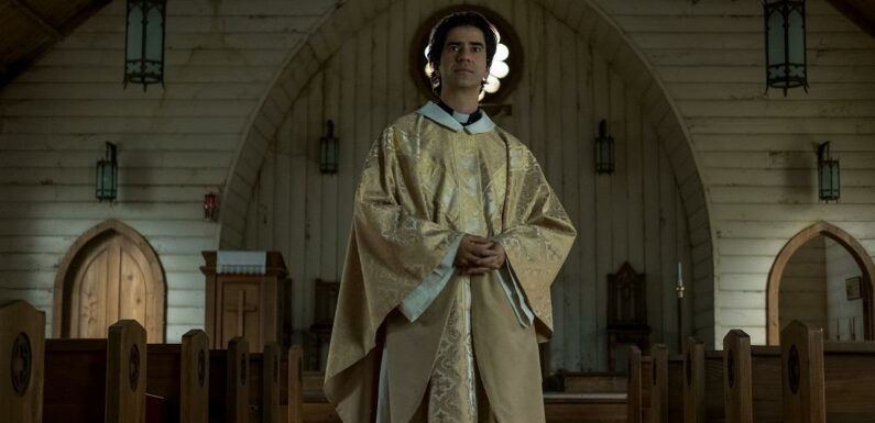 'Midnight Mass': Is Father Paul Actor Hamish Linklater Married?