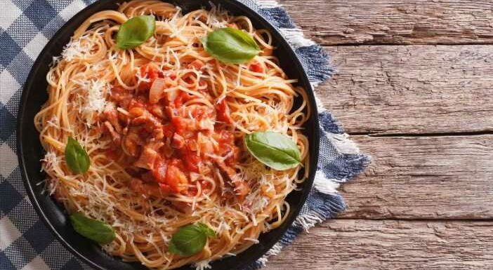 Chorizo and bacon pasta bags recipe – cooking ideas from the Batch Lady