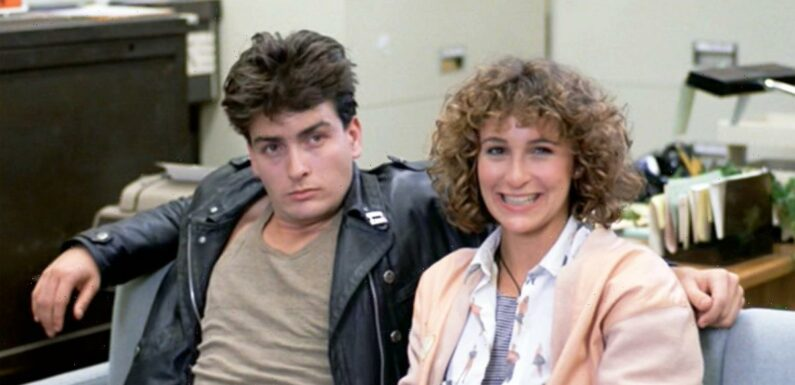 Jennifer Grey Says it was 'Hard to Keep a Straight Face' Opposite Charlie Sheen in This '80s Movie