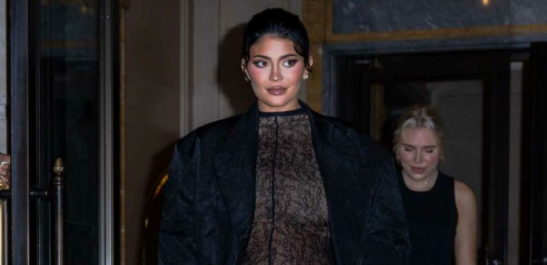 Kylie Jenner Showed Off Her Rapidly-Growing Bump In a New Instagram Video