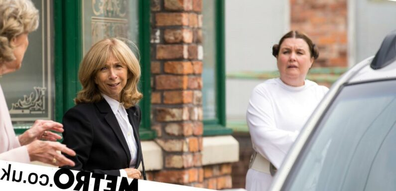 Mary decapitates a paperboy with a chainsaw in Corrie