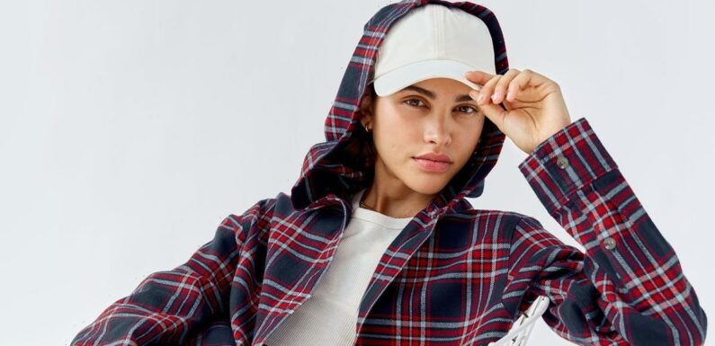 This Beloved '90s Trend Is Back For Fall, and Cozier Than Ever