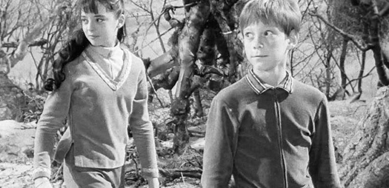 'Lost in Space' stars Angela Cartwright, Bill Mumy explain why hit '60s series ended: 'There was no closure'
