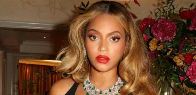 Beyoncé's Plunging Gown Featured a Massive Leg Slit