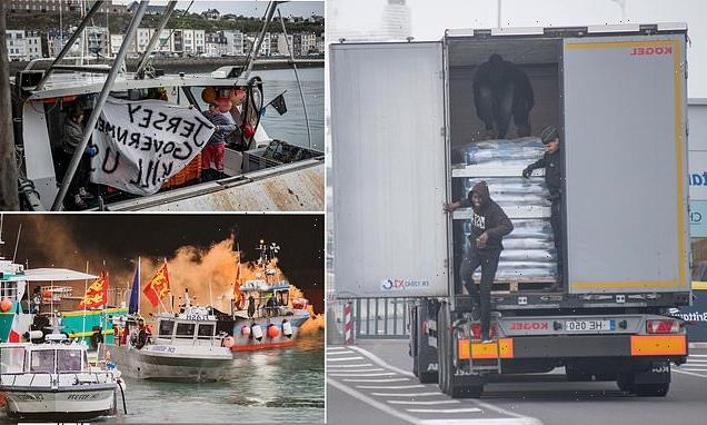 Brexit fishing row: French MP threatens to stop migrant border checks