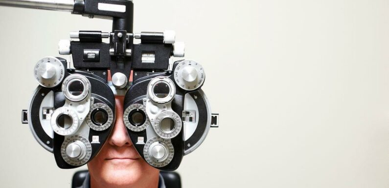 Incredible treatment for cataracts must be injected into the eyeball