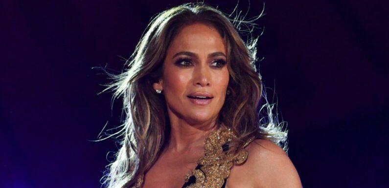 Jennifer Lopez Has Pink Hair Now