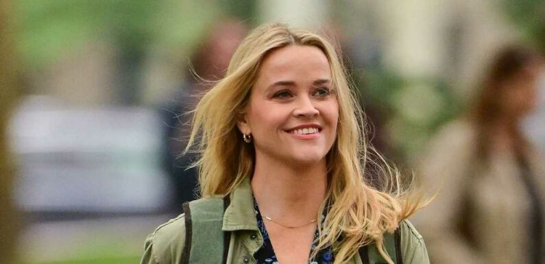 Reese Witherspoon Just Wore The Unexpected Fall Shoe Sarah Jessica Parker Has Been Wearing for Years